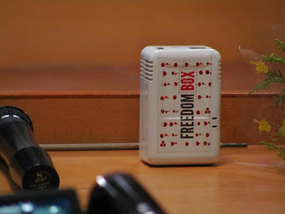 The plug with freedombox sticker - linuxcandy
