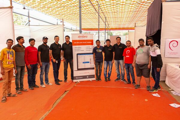 Photo Op with the Zimbra Team